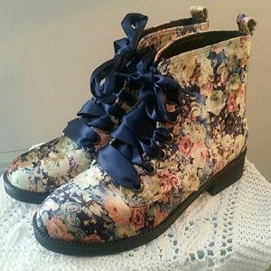 Dirty Laundry Stefan Floral Velvet Ankle Boots 7.5